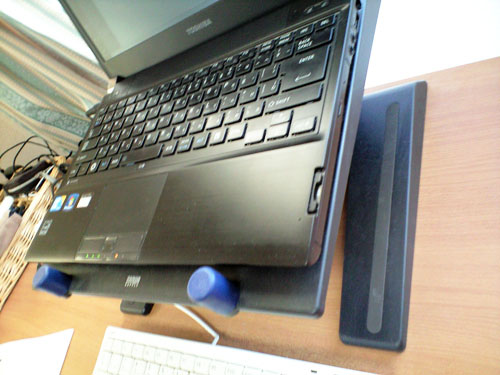 ノートパソコン用の台