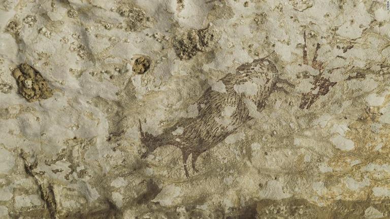 インドネシアで人類最古(4万4000年前)の洞窟壁画発見